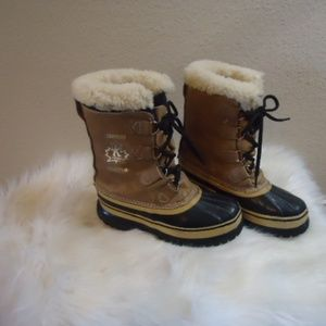Sorrel Caribou Snow Boots Size =5 = to 7 US Size